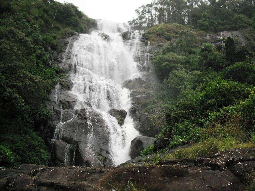 Chinnakanal_Water_Falls,_Munnar