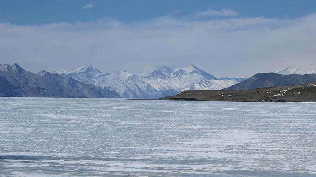 Frozen_Pangong_Lake