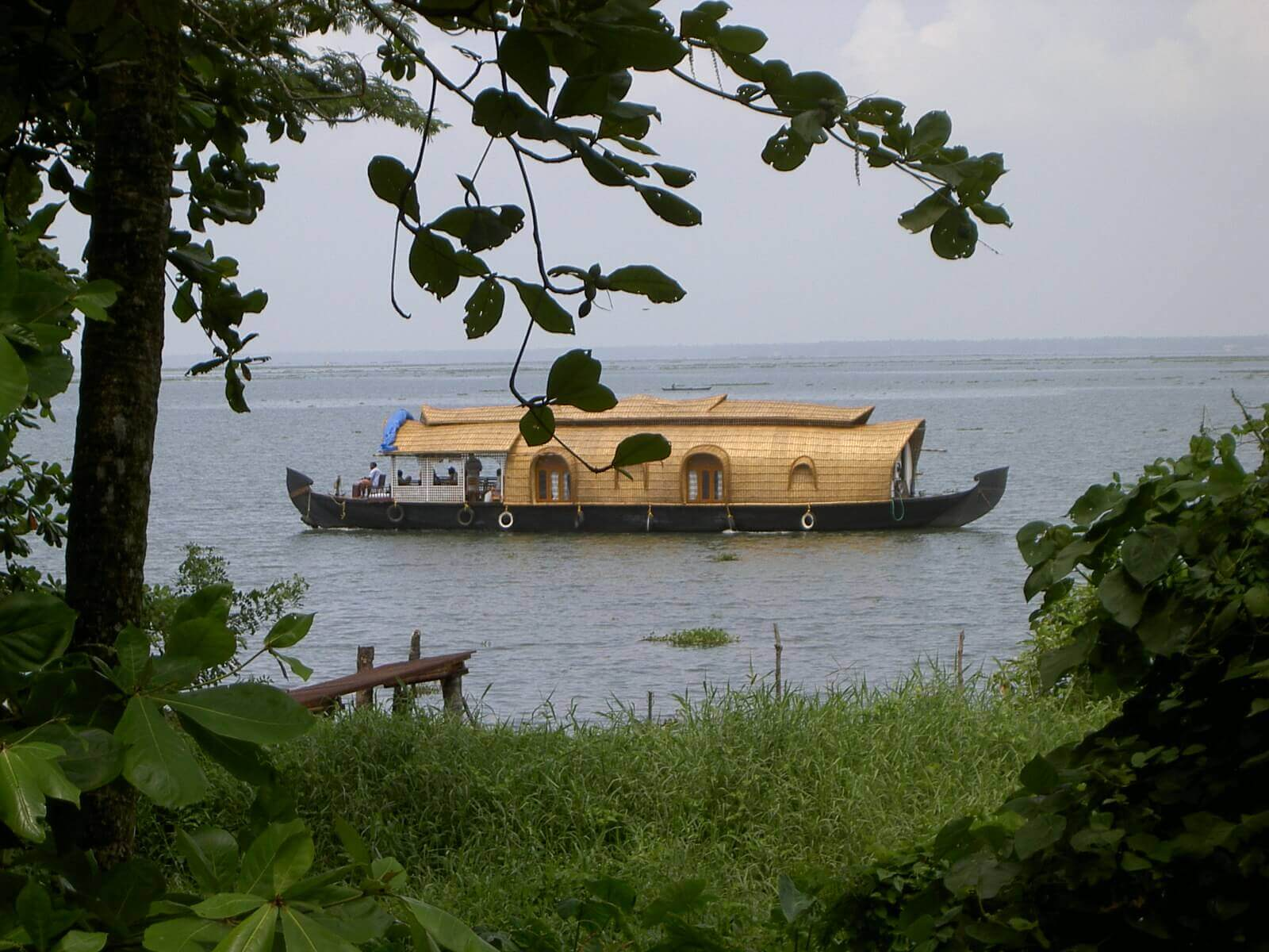 Kumarakam-House boat kotayam